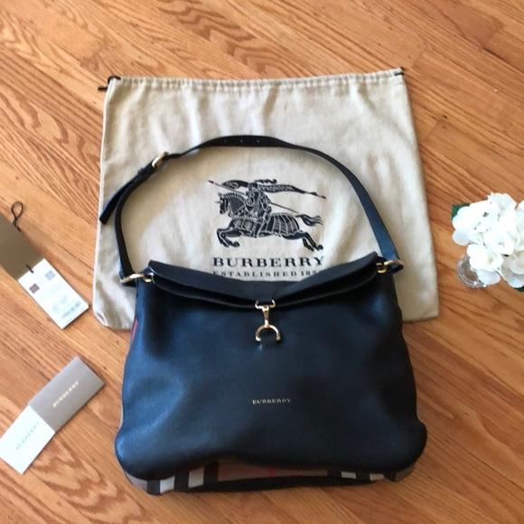 491311b1c2f6 Burberry Handbags - 🌺  999 TODAY! Burberry Cornwall Blk Leather Purse